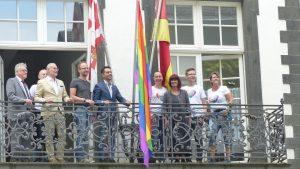 Fahnenhissung zum CSD @ Rathaus Koblenz | Koblenz | Rheinland-Pfalz | Deutschland